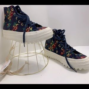 Converse plataform boot size 5 new flower